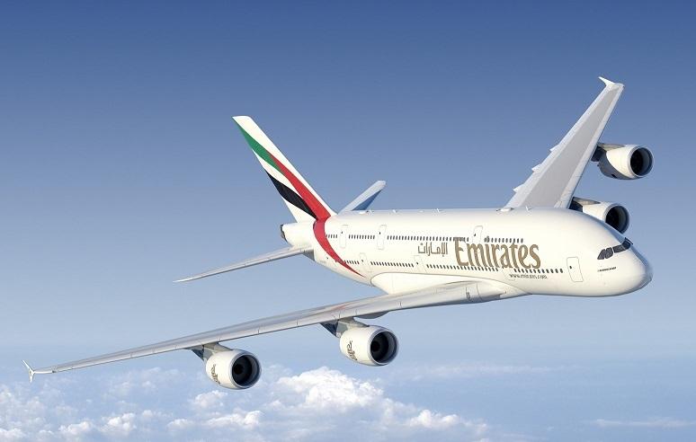 De Emirates A380 is terug op Amsterdam Airport Schiphol